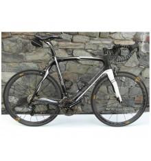 Bike hire PINARELLO with MAVIC CARBON